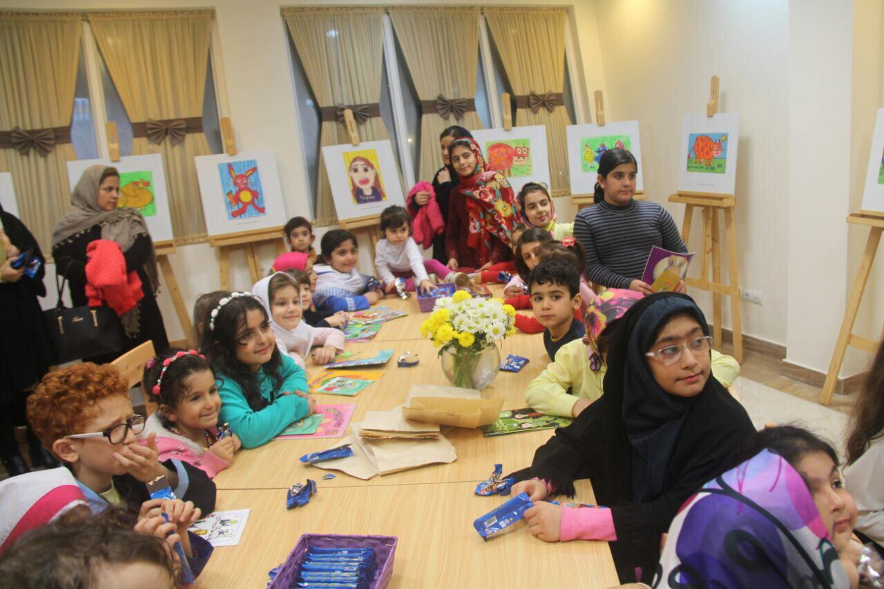 مسابقه نقاشی کودکان همزمان با هفته جهانی کودک در کتابخانه میرزاکوچک جنگلی رشت